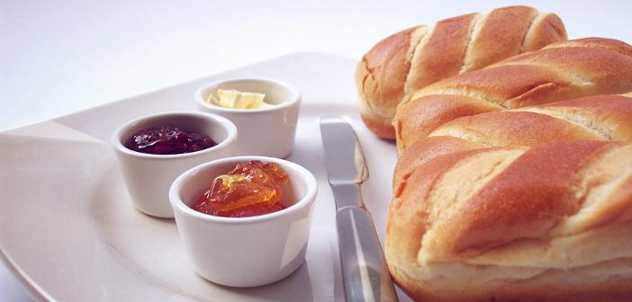 Via libera a pane, burro e marmellata per una colazione a basso indice glicemico